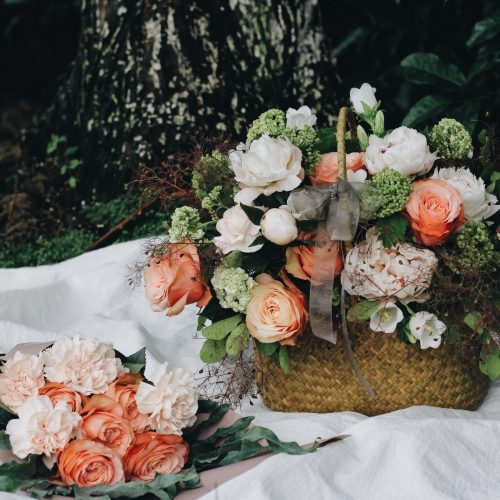 basket_flowers_composition_115253_2560x1600